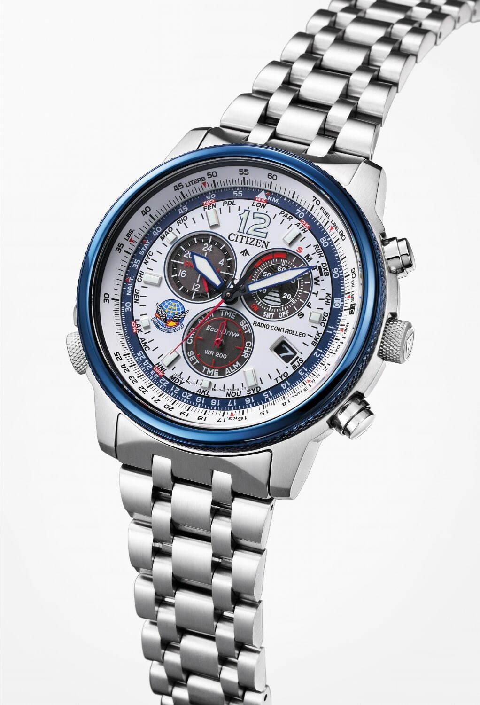 シチズンが「ブルーインパルス」とコラボ腕時計を発売。ブルーインパルスの機体をモチーフにしたカッコイイデザインで価格は63,800円~